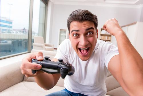 Essent HouseParty: Gratis Playstation 4, Harman Kardon Speaker, JBL koptelefoon of hoge korting